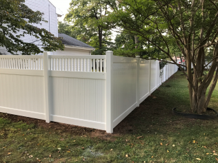 Semi-privacy front with full privacy sides in Hillside, NJ